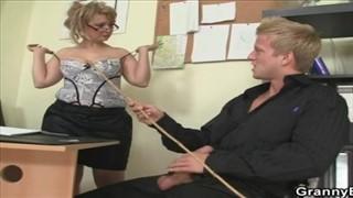 Blondyn ze swoją byłą nauczycielką