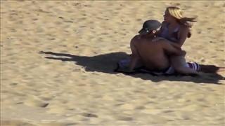 Amatorski seks na plaży w Rio