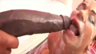 Ruda i czekoladka ciągną jego penisa