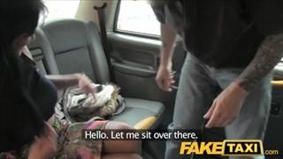 Super kocica ssie bosko kutasa w taksówce