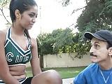Cheerleaderka z porno tatusiem