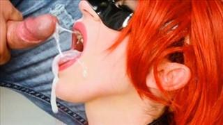 Dziewczyna w kitkach lubi seks pod gołym niebem