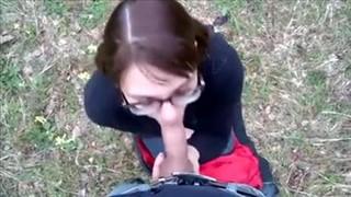 Opierdala mu gałę w plenerze