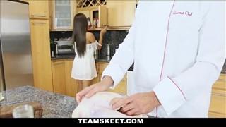 Kucharz z mega gorącą ślicznotką