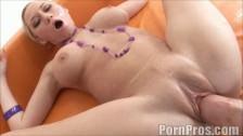 Wielkie dildo w cipie ostrej porno giwazdy