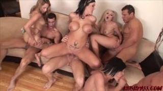 Gorąca seks laseczki w godzinnym porno