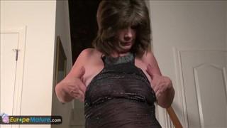 zaczyna się porno kciuki porno mama