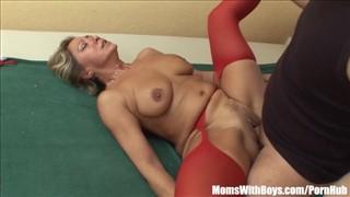 Czerwone mamuśki porno