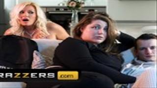 Seks na kanapie z fajną mamuśką
