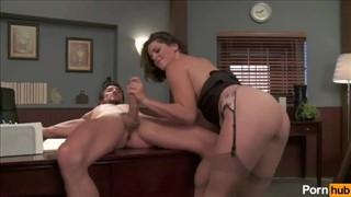 Lesbijskie porno w biurze