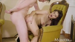 Seks z wypinającą się Rosjanką
