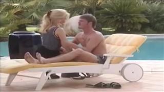 Wakacyjny seks przy basenie