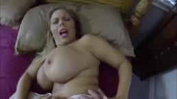 Wielkie piersi dymanej laluni