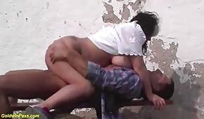Seks na wsi z grubą babeczką
